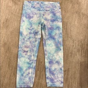 Athleta Girl pattern capri leggings
